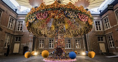 Fleuramour = 140,000 flowers and 100 designers