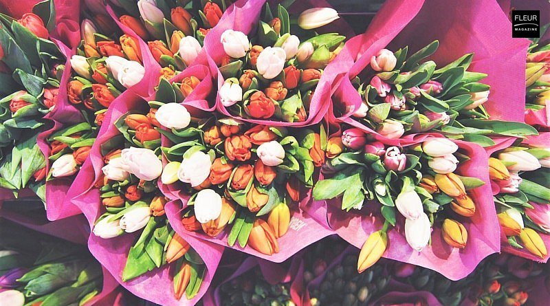 diy tulip arrangements flower floral design home inspiration tips and tricks yellow pink spring vase colours meaning leaves table decoration gift table setting Threads and Blooms blog Fleur Creatif