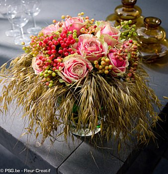 Online summer edition magazin Fleur Creatif flowers floral art floran arrangements florist floral magazine lovers of floral art summer grasses gerbera floral creations creativity with flowers Geert Pattyn Moniek Vanden Berghe Jan Deridder Sören Van Laer, Ivan Poelman, Rita Van Gansbeke unique editin new online digital sunny welcoming with flower orange blue and white flowers read inspiration do it yourself diy ideas tips and tricks step by step explanations information for florist webshop Fleur Creatif magazine belgium