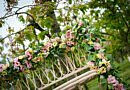 Glamorous wedding arrangements in peachy colours